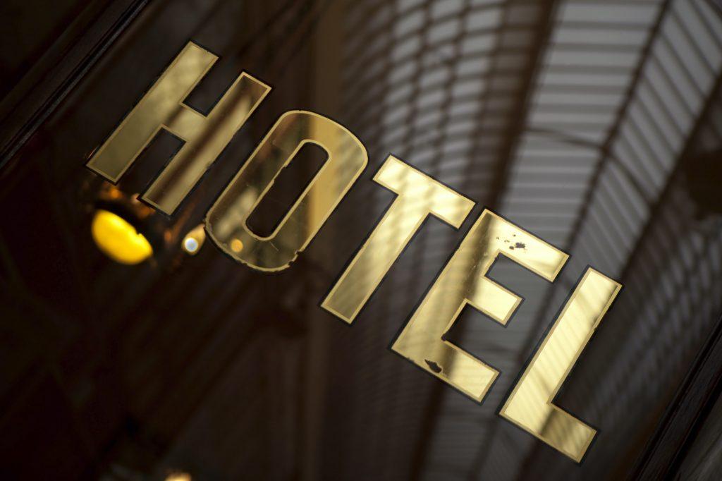 Gyllene hotellskylt